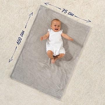 Jacky Kuscheldecke Babydecke Fleece - Baby Decke Unisex - Krabbeldecke 75 x 100 cm - Öko-Tex schadstoffgeprüft allergikergeeignet - Grau