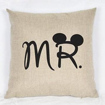 Miya® Mr & Mrs Micky und Minni liebevolle hochwertige Hochzeit Paar Kissenbezüge aus Baumwoll Sofakissen Kissenbezug Hochzeitgeschenk (Micky)